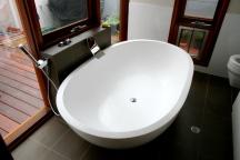 New big, heavy expensive bath